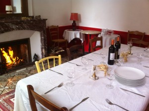 table de déjeuner